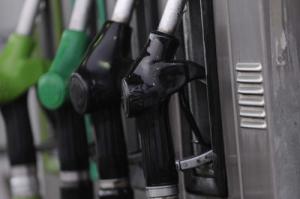 Madrid rebaja a los transportistas el impuesto sobre gasóleos